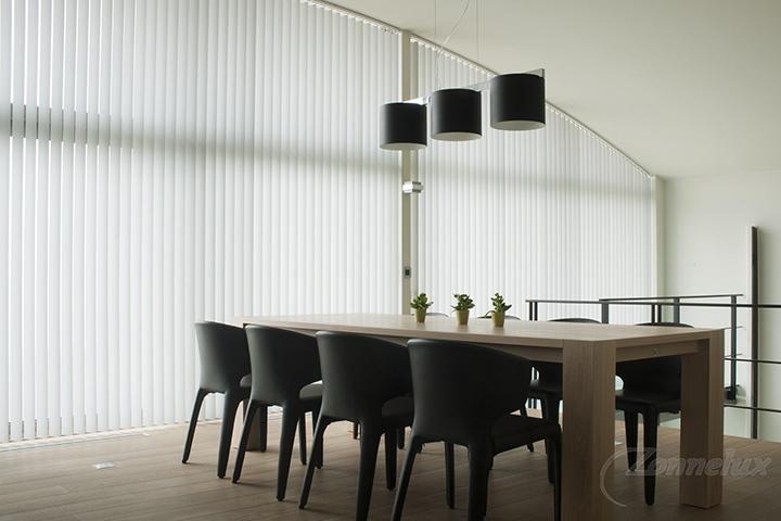 Raamdecoratie - Zonnelux Lamelgordijn Trapezium Eetkamer